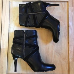 Cole Haan Nike Air Talia Black Ankle Boots SZ-10B